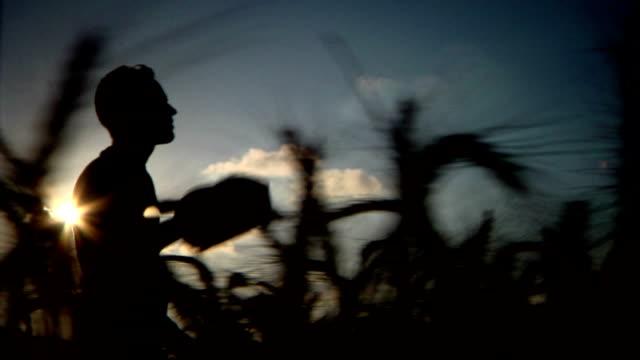 Agricoltore silhouette lato