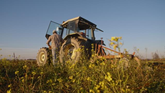 SLO, MO, in der Landwirtschaft mit Traktor auf dem Feld
