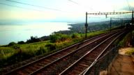 fast Zug übergeben Weinberg in der Nähe des Genfer See
