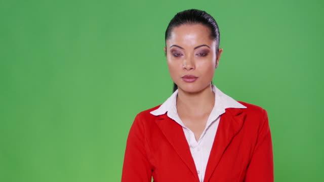 4K Female asian presenter on green background