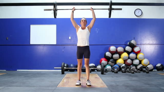 female clean and jerk