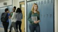 Weibliche erste solche Beschäftigten gemobbt in der Schule