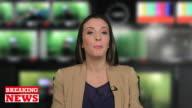 Presentatore femminile in studio televisivo