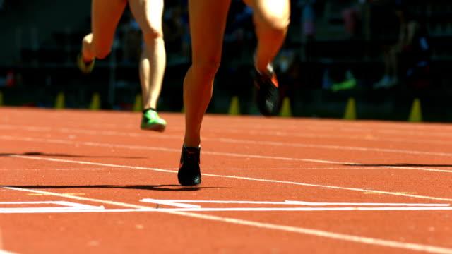 Femmina, gli sprinter al traguardo (4 k Ultra HD/HD)