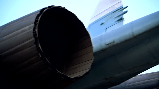 Fighter aircraft jet engines