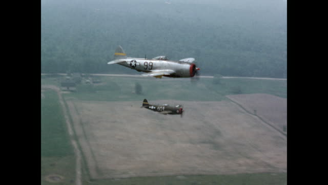 Fighter Planes Flying in Sky