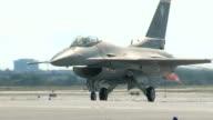 F16 Fighting Falcon Rullaggio
