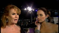 Royal premiere of 'The Young Victoria' in Leicester Square ENGLAND London Leicester Square PHOTOGRAPHY *** Reporter to camera Sarah Ferguson and...