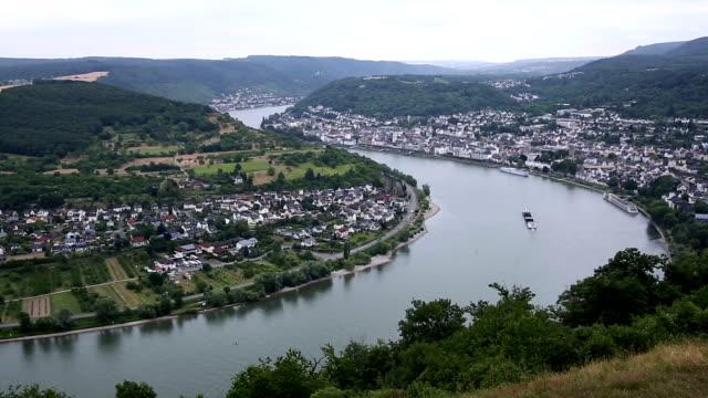 Film Tilt: aerial Boppard cityscape Germany
