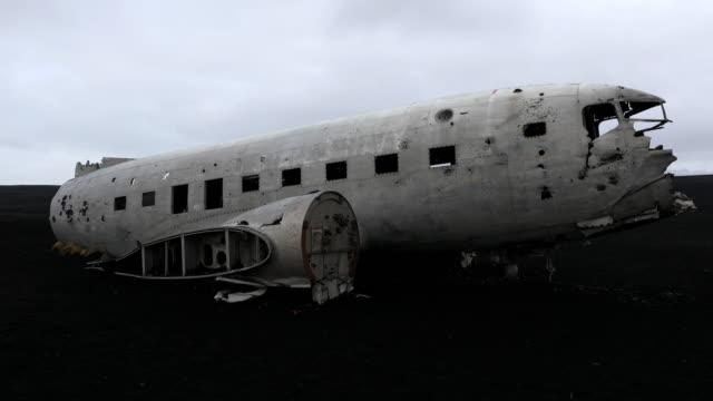 Film Tilt of  Plane wreck on Solheimasandur beach near Vik, Southern Iceland