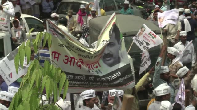 Firebrand anti corruption champion Arvind Kejriwal accuses his rivals in Indias elections of selling out to big business by accepting hundreds of...