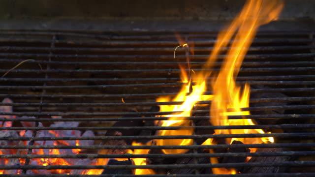 Fired Charcoal Preparation fot Korea BBQ Cuisine