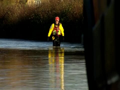 Firefighters arrive at scene of severe flooding UK