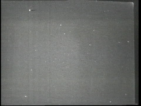 First televised pictures of meteor shower ENGLAND Sussex Royal Greenwich Observatory intvw SOF 'It's small little dust particles dies away' / EXT SEQ...