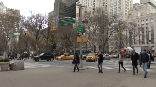 Flatiron District, Broadway, Madison Square Park - Street Scenes NYC