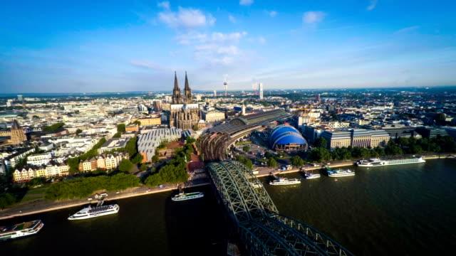 Flug über Köln