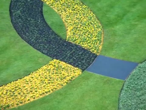 Floral display of Olympic rings at Kew Gardens to mark the 100 day countdown to the London Olympic games