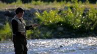 Fliegenfischen in River, Nahaufnahme