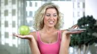 HD DOLLY: Food Temptation