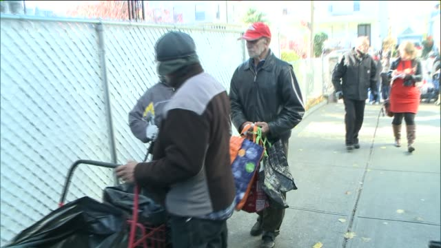 Former congressman and mayoral candidate Anthony Weiner volunteers every weekend handing out hundreds of turkeys and other thanksgiving foods The...