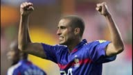 Frances 1998 World Cup and Euro 2000 winning striker David Trezeguet who enjoyed a decade leading the Juventus attack has retired Argentine daily...