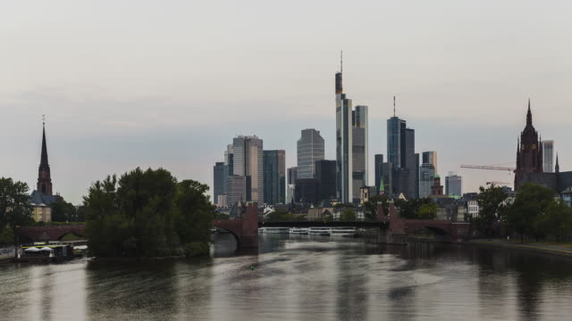 Frankfurt am Main - Skyline - Timelapse sunrise at river Main