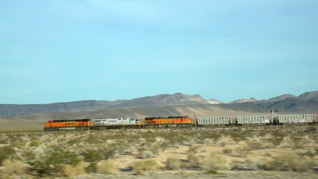 WS-Güterzug Fahrt durch die Mojave-Wüste