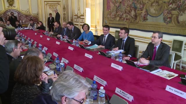 French Prime Minister Manuel Valls held a meeting on Monday with business and union heads to discuss changes to controversial labour reforms part of...
