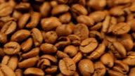 Frische Kaffeebohnen bereit für das café