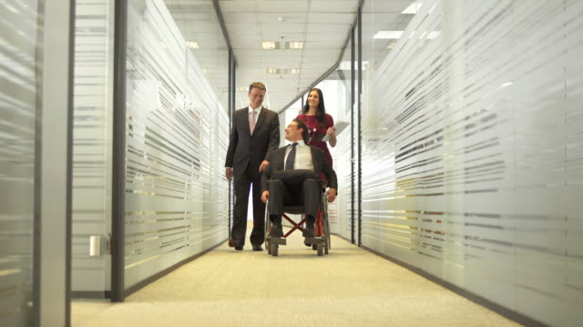 HD DOLLY: Unternehmen, für Behinderte Mitarbeiter