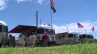 From June 25 to July 4 Huron a city in the western US state of South Dakota becomes the silver city about 400 Airstream trailers and enthusiasts from...