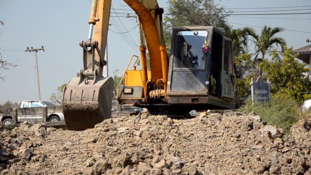 front view : Bulldozer move and dig