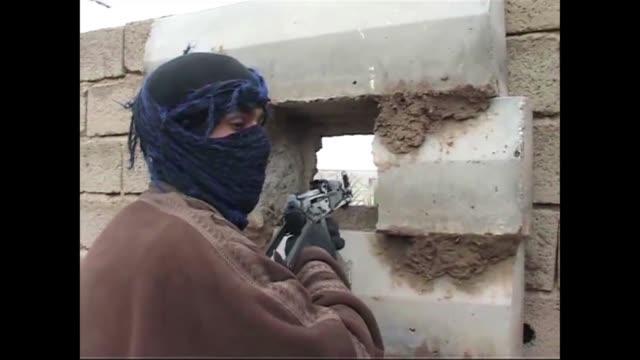 Fuerzas de seguridad de Irak y tribus aliadas asesinaron este viernes a 71 militantes de Al Qaida en Al Anbar bastion sunita al oeste de Bagdad donde...