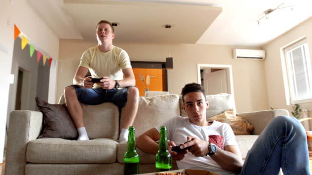Gamers loves beer and pizza