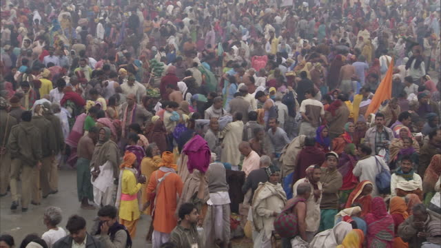 WS PAN Ganga Mela festival people crowding on river bank / India