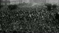 General Douglas MacArthur in tickertape parade / USA