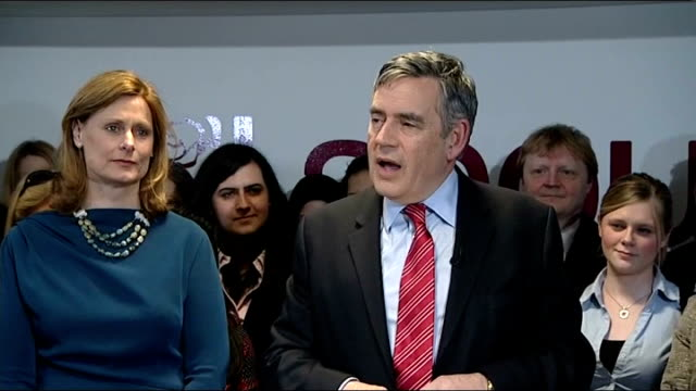 Gordon Brown speech to staff at Labour HQ following resignation ENGLAND London Westminster Labour Party HQ PHOTOGRAPHY** Gordon Brown MP and wife...