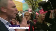 Labour's Jim Murphy targeted by protesters during Glasgow walkabout with Eddie Izzard Jim Murphy commenting on heckling SOT these folk are turning up...