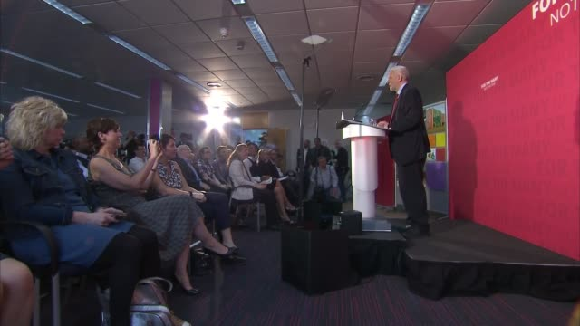 Jeremy Corbyn in York cutaways ENGLAND North Yorkshire York Picture Source POOL Rushes Log Jeremy Corbyn arrival and cutaways / Jeremy Corbyn with...