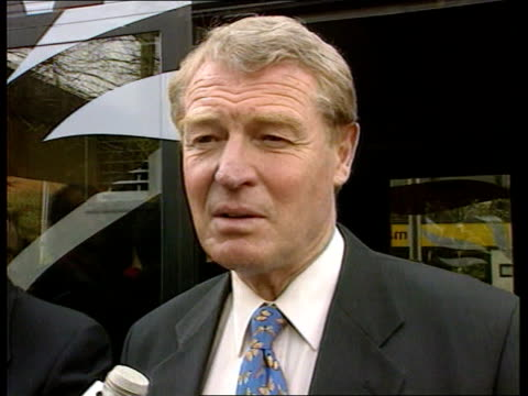 Churches report Surrey Lib Dem Leader Paddy Ashdown visiting housing estate and talking to residents Paddy Ashdown intvwd Election now the possession...