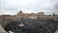 ATMOSPHERE General Views at Pope Francis Holds Easter Mass and Delivers His Urbi Et Orbi Blessing at St Peter's Square on April 05 2015 in Vatican...