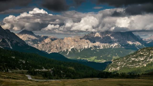 Giau Pass Europese Alpen bergketen, Time Lapse, Dolomieten Zuid-Tirol Italië