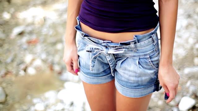 HD: Girl in Hot Pants