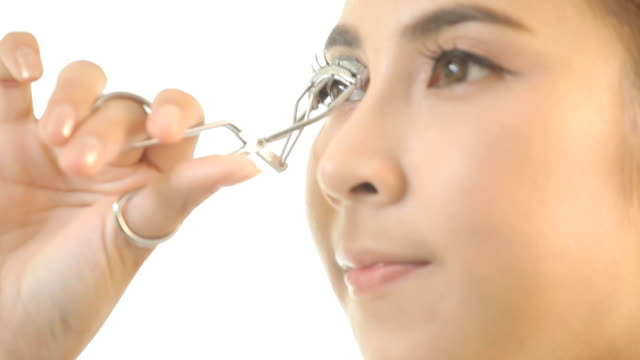 Girl making her eyelashes