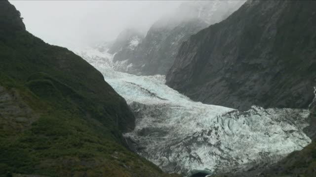 WS ZO Glacier in mountains / Franz Josef Glacier, New Zealand