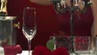 HD DOLLY: Glamouröse Frau Beleuchtung bis Kerzen