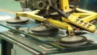 HD : Glass With Vacuum Machine