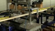 Gluing Holz auf der Holz-Produktion