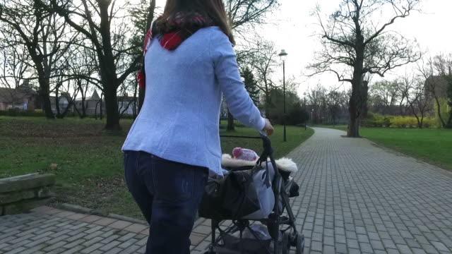 Fare una passeggiata con un bambino