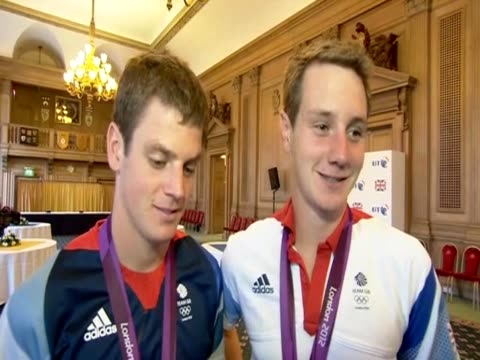 Gold medallist Alistair Brownlee talks about his Olympic win on his return to Leeds